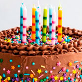 If you are celebrating your birthday, anniversary or any other special day ask us for our sweetest detail. A tasty cake with a personalized greeting card. In case of allergies or intolerances, please let us know in advance to take it into account. * Image guidance, the final product may vary.