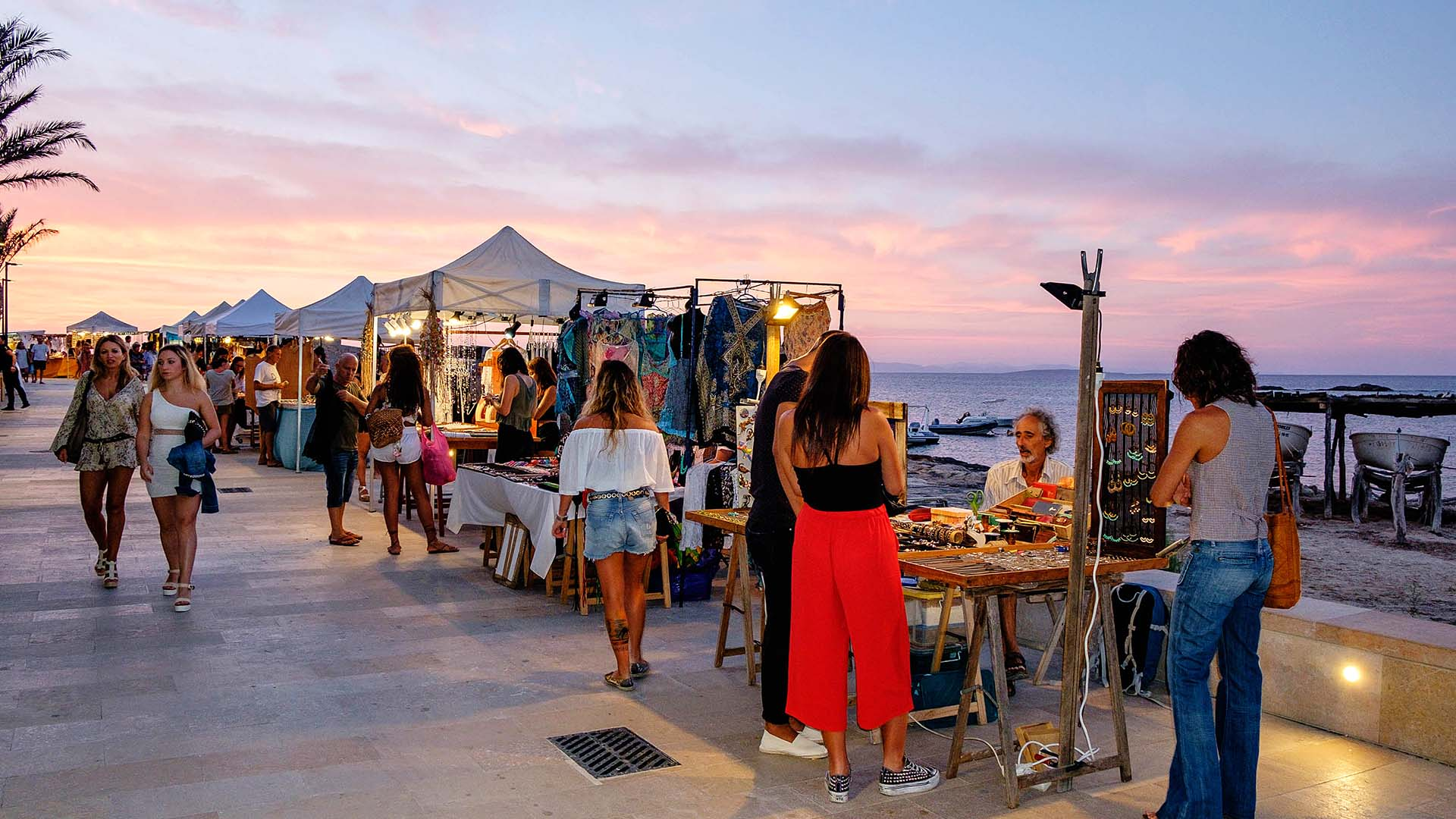 In May the hippie atmosphere returns to Formentera